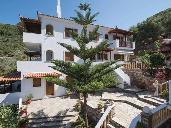 Skopelos Studios Apartments in Panormos